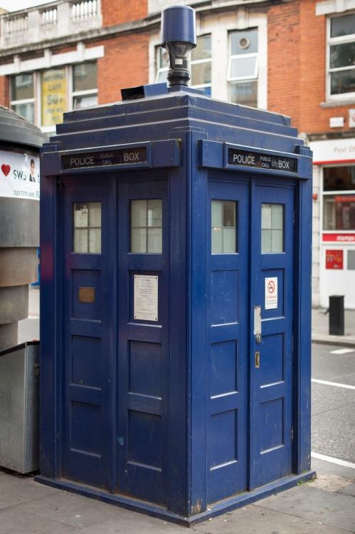 Tardispolicebox.jpg
