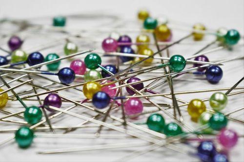 pins-1358849__480.jpg