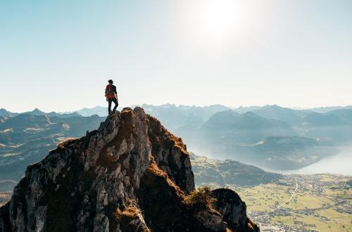 hiking-2618010_1280.jpg