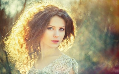 191458-women-blue_eyes-curly_hair-sunlight.jpg
