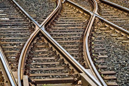 rails-3309912__480.jpg