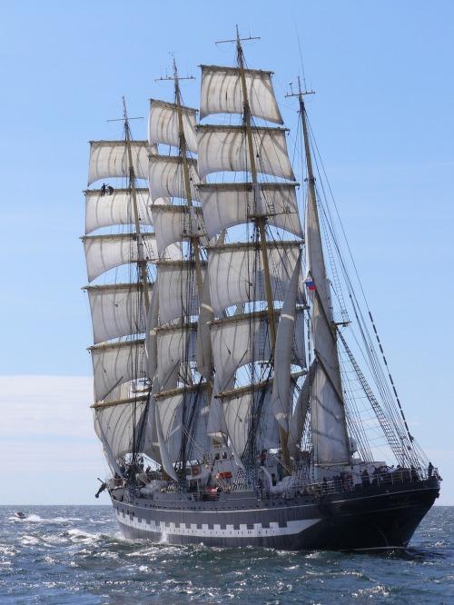 ship-701598_1280.jpg