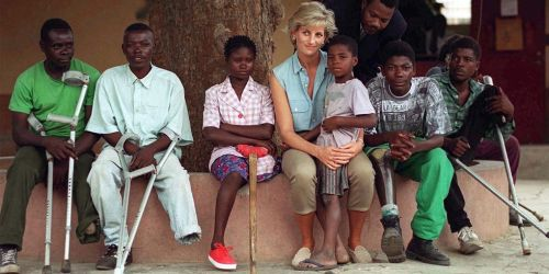 hbz-princess-diana-index2-1494864331.jpg